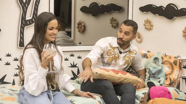 Gil e Juliette voltam ao quarto onde dormiram juntos na temporada do BBB 21 (imagem: divulgação)