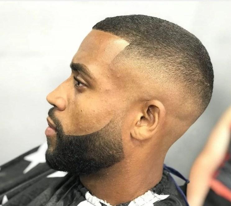 Cortes de cabelos afros masculinos: fotos e novos estilos