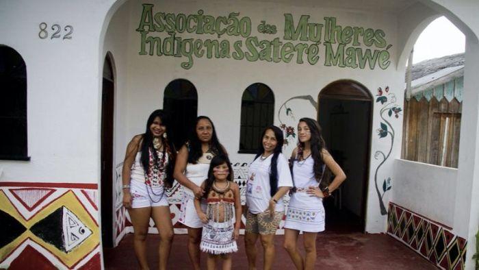 Mulheres indígenas.
