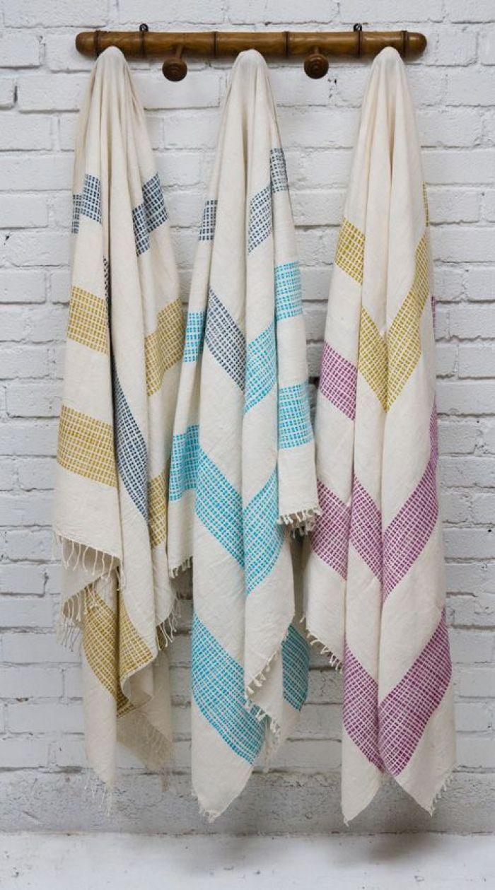 Três toalhas.