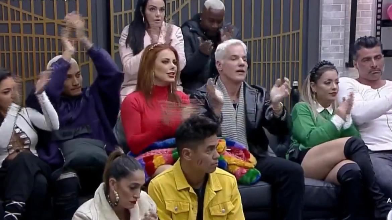 Deborah e Bruno salvam Thiago e Geórgia após votação do Power Couple (imagem: reprodução Record TV)