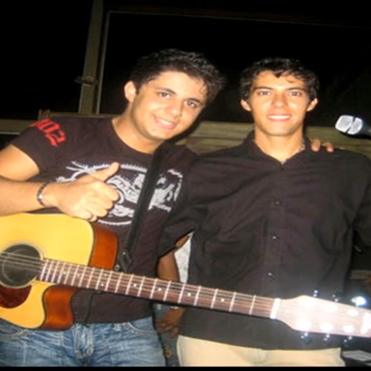 Cristiano Araújo e Luizmar de Oliveira Damasceno.