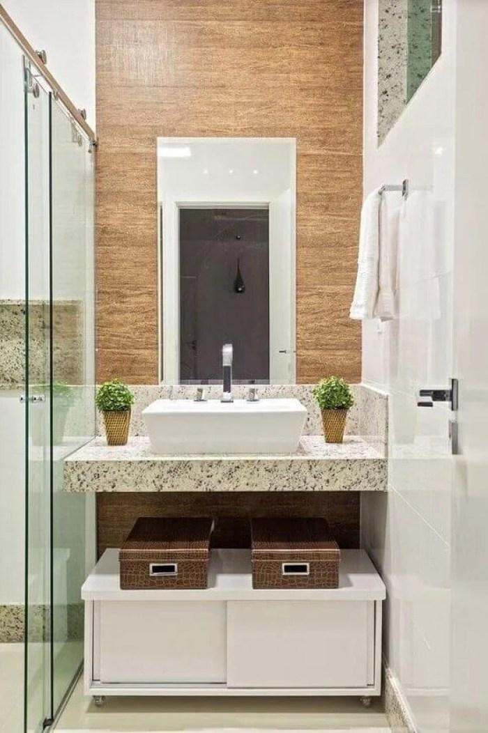 Balcão de banheiro portátil.