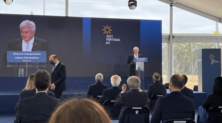 Ministro da Ciência, Tecnologia e Inovações, Marcos Pontes, discursa na inauguração do novo cabo submarino em Portugal