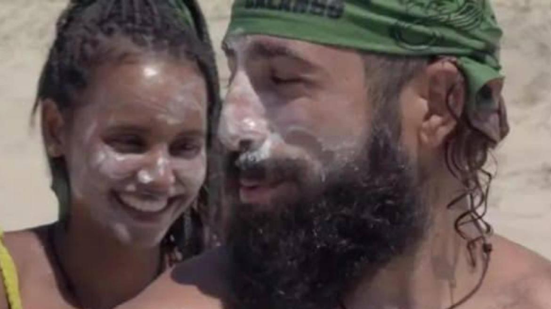 A acreana e o sírio flertam em No Limite (imagem: reprodução/ Globo)