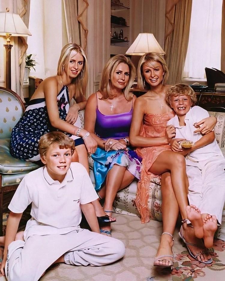 Foto da família Hilton.
