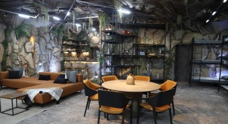 Casa estilo caverna.