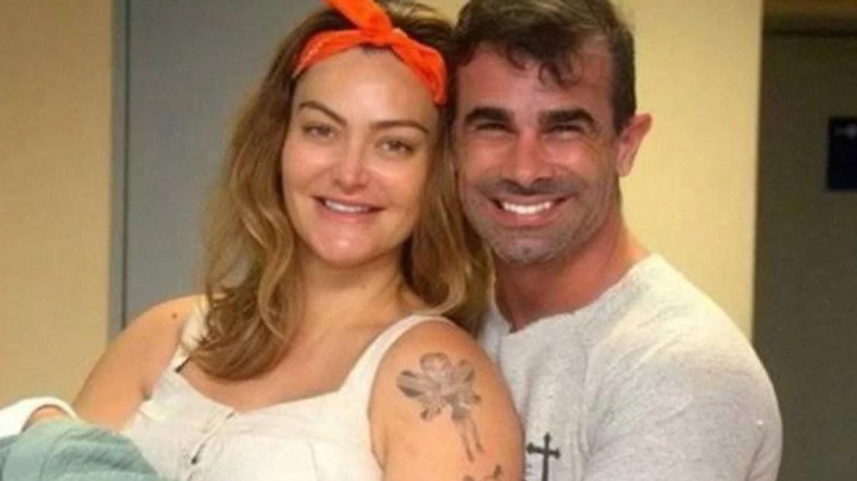 Laura Keller ao lado do ex-marido Jorge Souza. Fonte: Reprodução