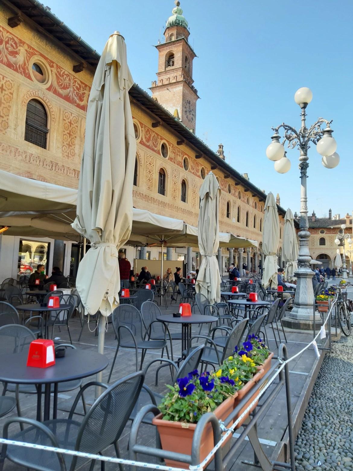 Piazza Ducale da cidade de Vigevano na Lombardia, Itália.