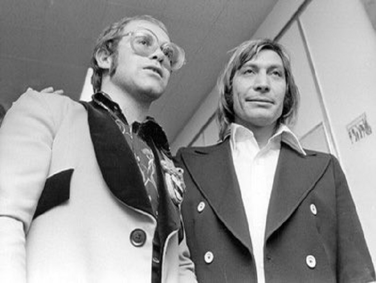 Foto de Elton John e Charlie Watts