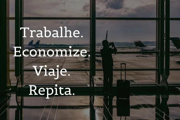 foto de homem fotografando aeroporto com frases de viagem escritas