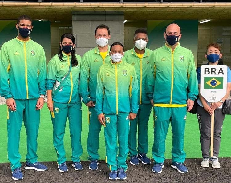 Foto dos representantes do Brasil nos Jogos Olímpicos de Tóquio.