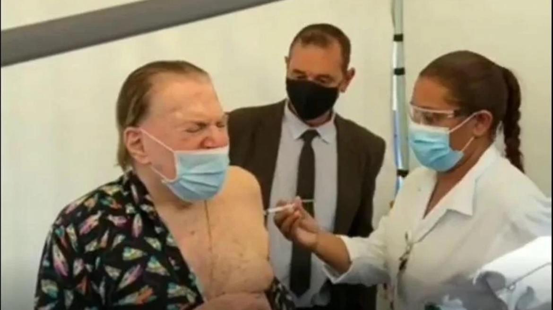 Silvio Santos, aos 90 anos já recebeu as duas doses de vacina contra Covid-19. Fonte: Reprodução