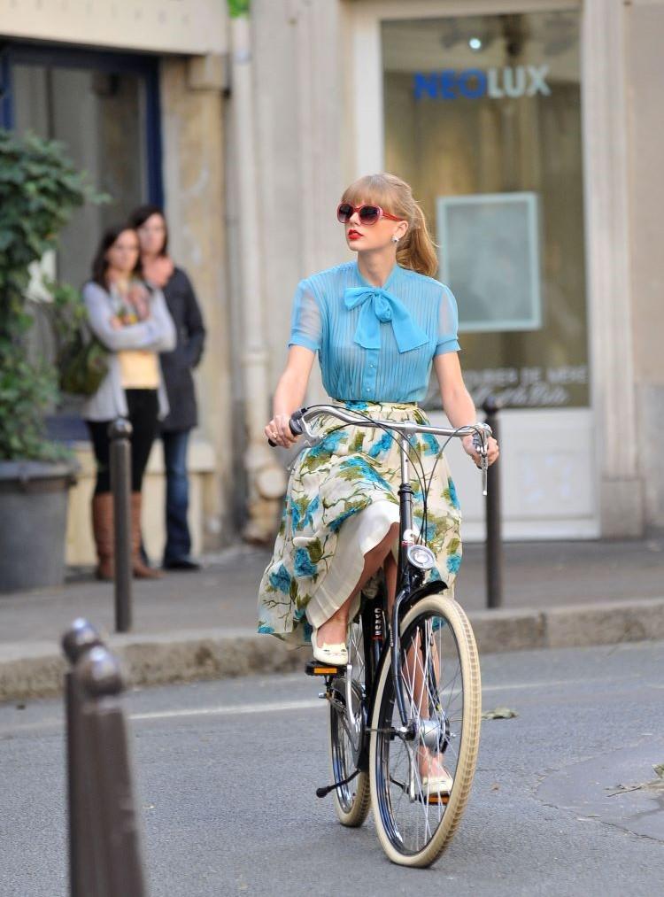 sete estilos universais da moda/ estilo romântico/ Taylor Swift