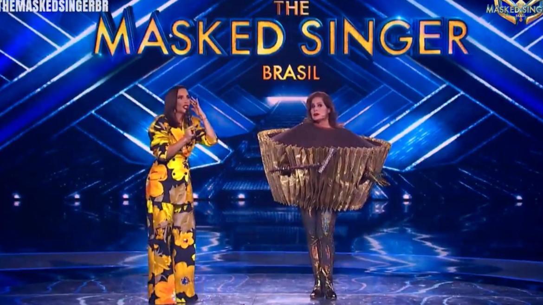 """Ivete Sangalo fica  """"passada, chocada"""" ao descobrir que o Brigadeiro do The Masked Singer Brasil é Renata Ceribelli. Fonte: Reprodução"""