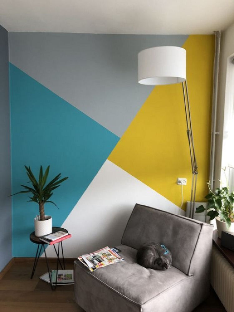 Foto de sala com parede geométrica