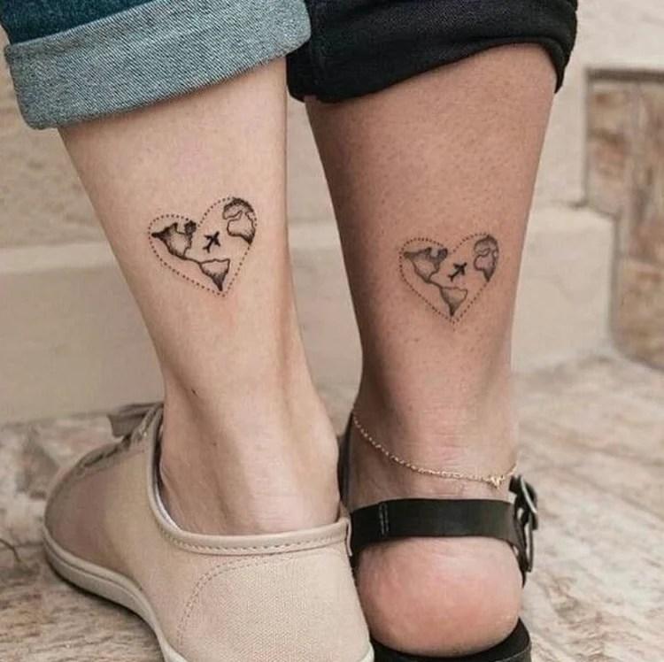 Tatuagem de viagem em casal
