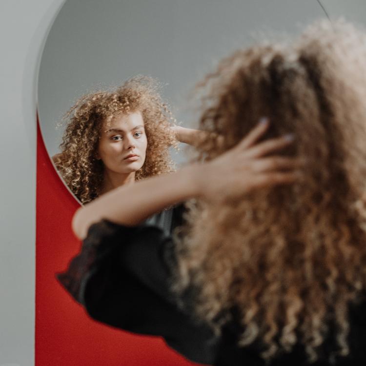 Foto de mulher com cachos - dicas big chop