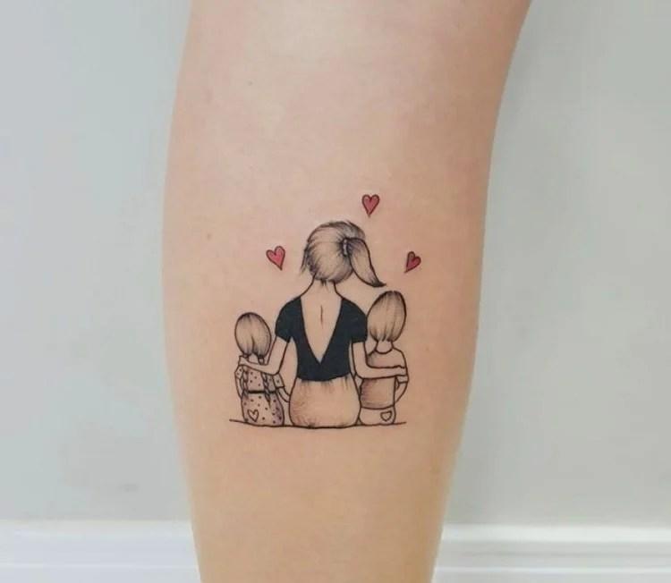 Tatuagem para mãe com dois filhos