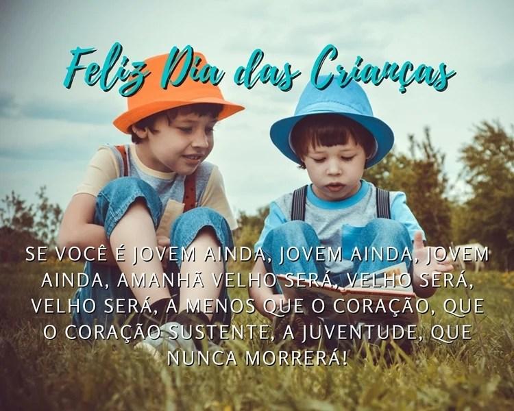 Foto com mensagens de Feliz Dia das Crianças.