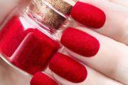 crazy trend of dip powder nails