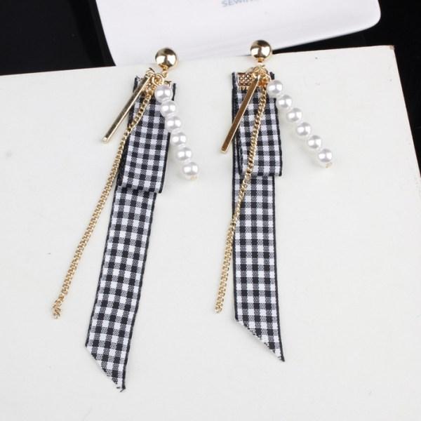 Checkered Fabric Earrings | Wendy – Red Velvet
