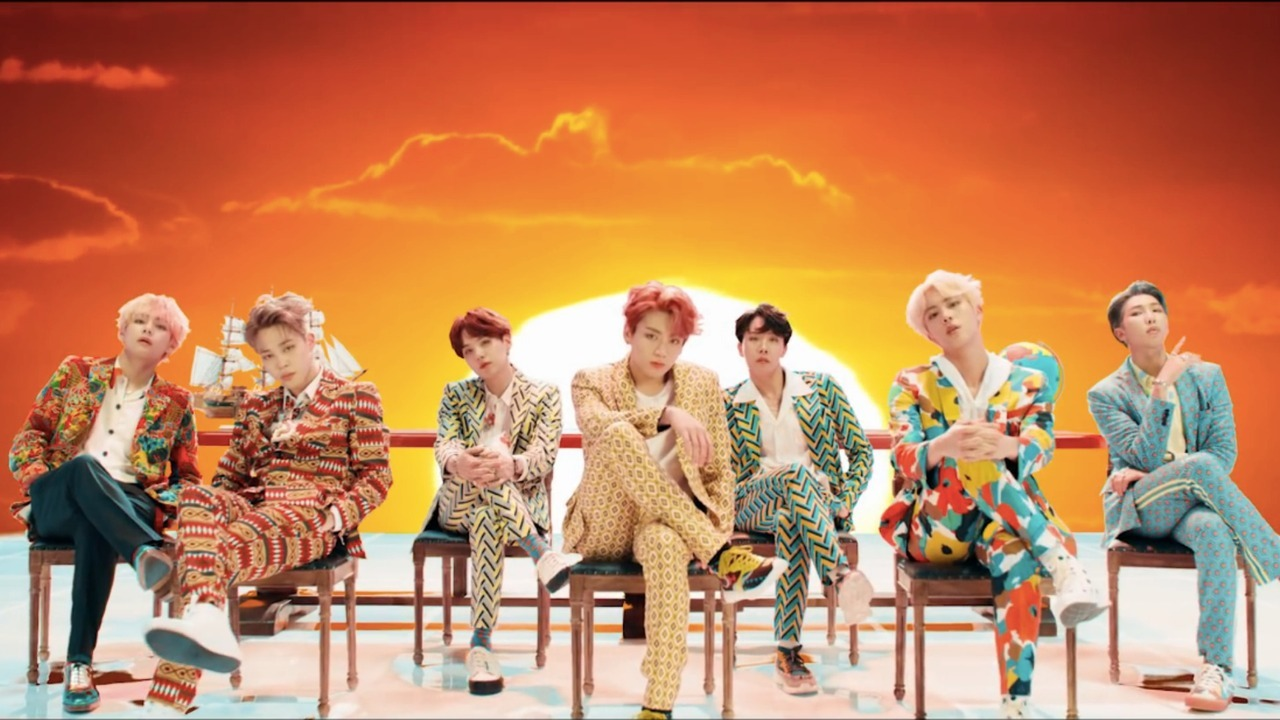 """See Our BTS """"IDOL"""" MV Haul  Fashion Chingu"""