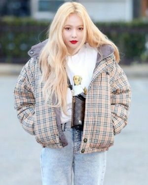 Checkered Bomber Jacket | Hyuna – Triple H