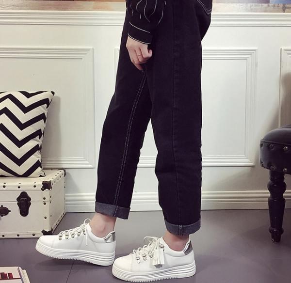 White Sneakers   Nam Hong Joo – While You Were Sleeping