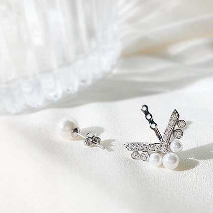 Arrow Earrings | Cha Soo-Hyun – Encounter