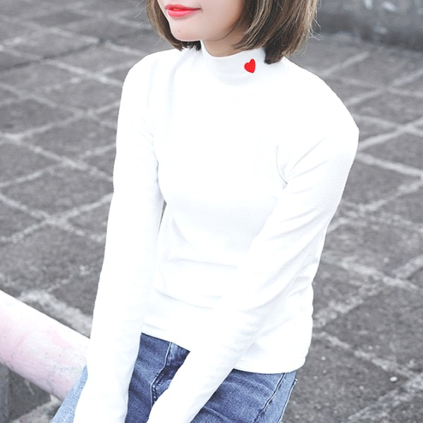 White Turtleneck Sweater with Heart   Nayeon – Twice