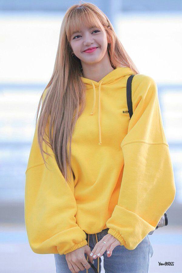 Yellow Sweater | Lisa – BlackPink