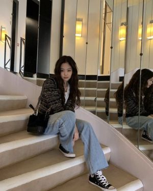 Wide Blue Jeans | Jennie – BlackPink