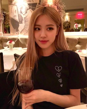 Black Love T-Shirt | Rose – BlackPink