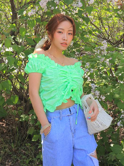 Pleated Lace Ruffle Crop Top | Hyuna