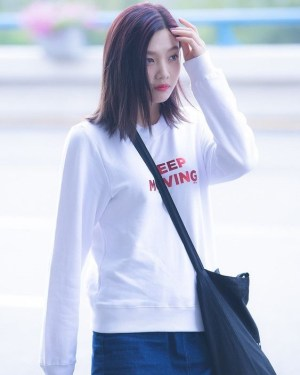 Keep Moving Sweater | Joy – Red Velvet