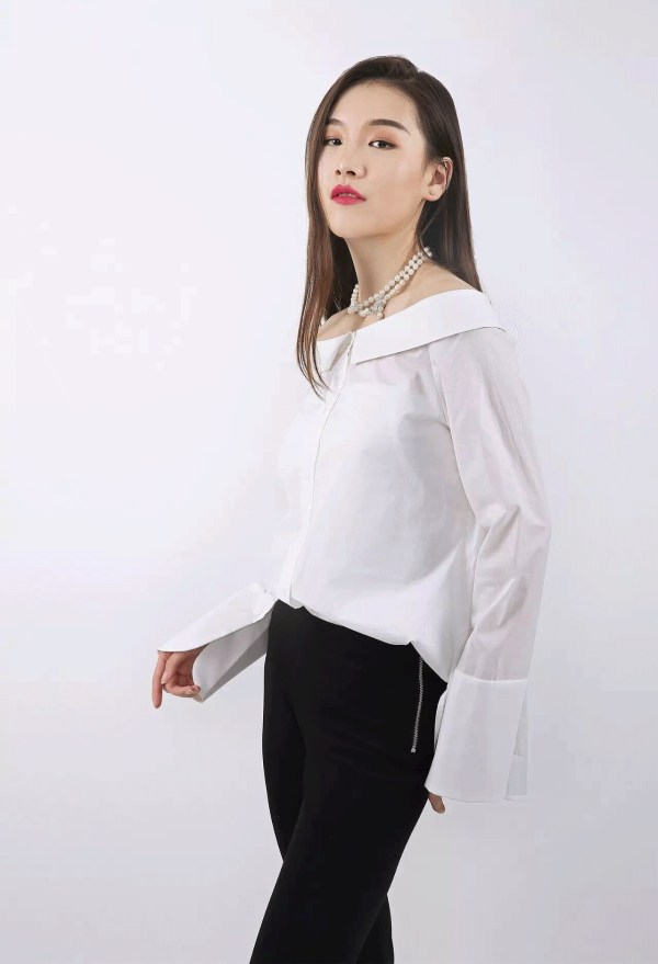 Off-Shoulder White Long Sleeve Shirt | Irene – Red Velvet