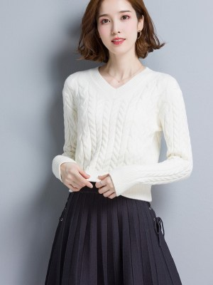 Nayeon V-Neck Short Knit Sweater (6)