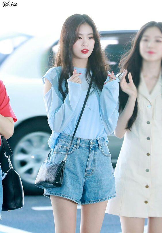 Blue Arm Cut Long Sleeve Sweater | Soojin – (G)I-DLE