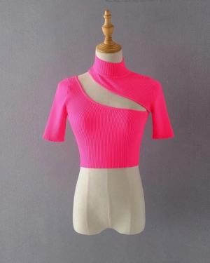 Joy Slant Chest Cut Crop Top (9)