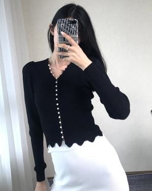 Nayeon Black Pearl Buttons Cardigan (4)