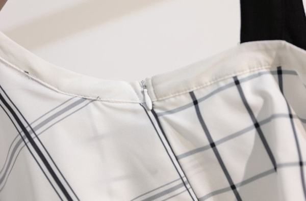 Assymetric Plaid Off-Shoulder Ruffled Top | Solji – EXID