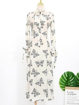 IU Butterfly Print Dress (2)
