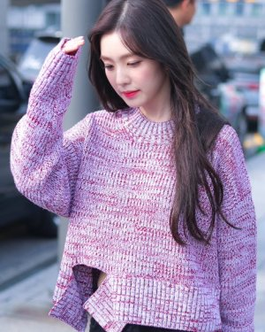 Pink Deconstructed Sweater | Irene – Red Velvet