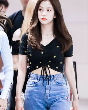 Center Drawstring Flower Embroidery Top | Jisoo – BlackPink