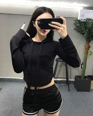 Cropped Hoodie With Long Lace (1)