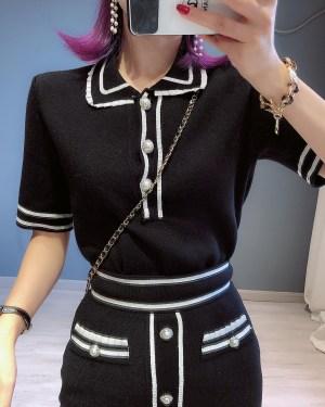 Jisoo Black Front Buttons Knit T-Shirt & Skirt (10)