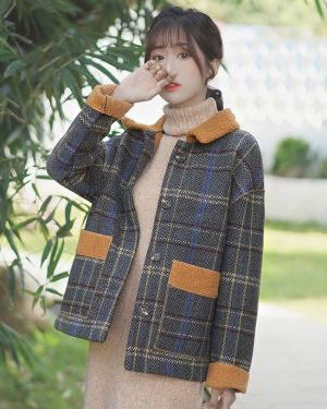 Regular-Fitting-Coat-Plaid-Design-1-1.jpg