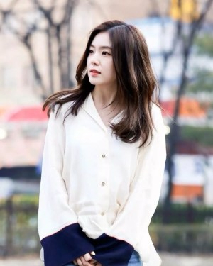White Shirt With Blue Cuffs | Irene – Red Velvet