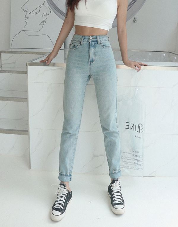 Light Blue Jeans With Ripped Tight